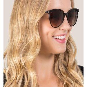 NWT Francesca's Aria Oversize Sunglasses
